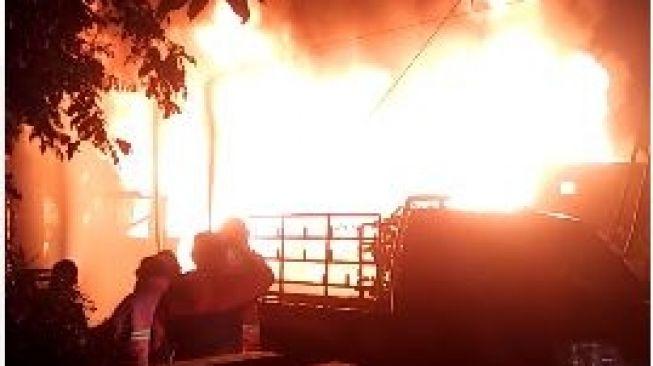 Gudang Elpiji di Siantar Terbakar, Beberapa Orang Diduga Terjebak di Dalam