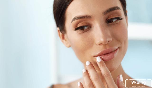 13 Cara Memerahkan Bibir Hitam secara Alami dan Aman dengan Hasil Permanen